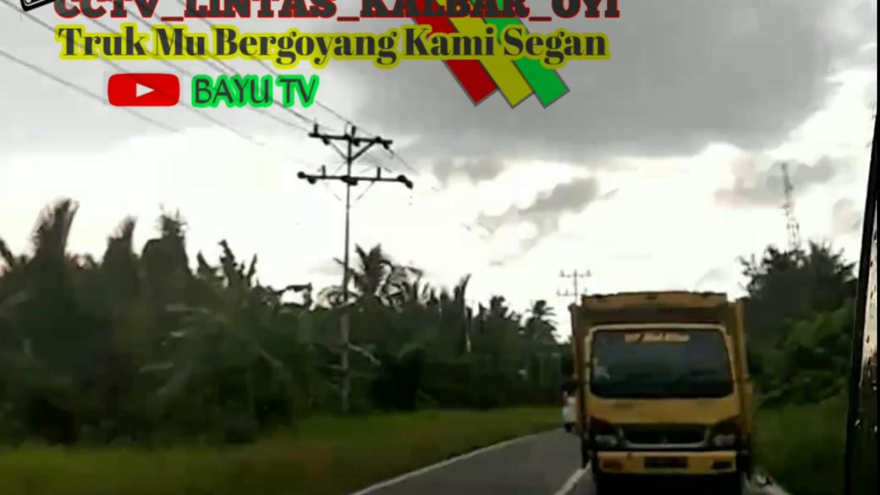 Trak kuning muatan tanah oleng tipis2 🤙🤙
