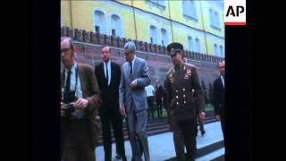 SYND 03/06/70 US ASTRONAUT ARMSTRONG VISITS LENIN
