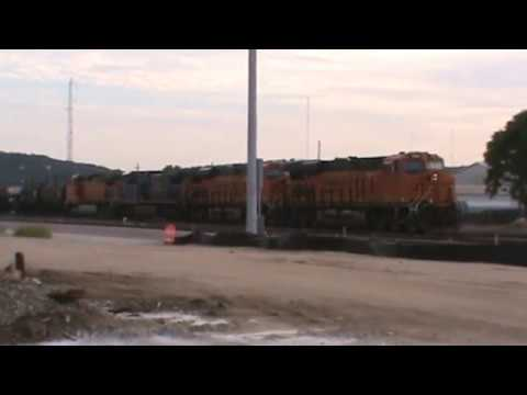 BNSF / CSX General Freight Arrival backing up Tulsa, OK 8/25/17 vid 7 of 12