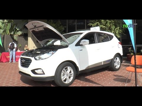 Hydrogen Car: The Hyundai Tucson 2015 (Fuel Cell Electric Vehicle)