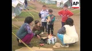 MACEDONIA: ACTOR RICHARD GERE VISITS REFUGEE CAMP