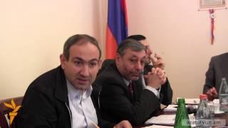 Թեժ բանավեճ Նիկոլ Փաշինյանի եւ Ռոմիկ Հարությունյանի միջեւ