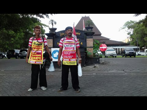 Wow! Dua Pria Ponorogo ini Jalan Kali ke Jakarta Tolak Korupsi