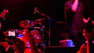 "Guided By Voices - ""Watch Me Jumpstart"" Live at First Avenue 10/12/2010"