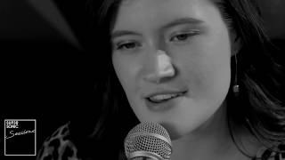 Смотреть клип Madeline Juno - Vor Dir