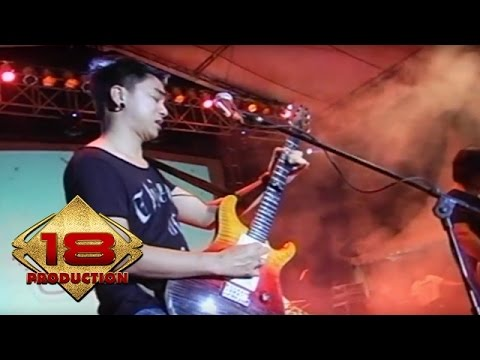 Free download lagu Mp3 Ungu - Dia Maha Sempurna   (Live Konser Malang 28 September 2013)