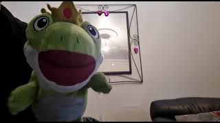 King Frog introduces himself