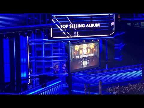 "BBMA Top Selling Album ~ Taylor Swift ""Reputation"""