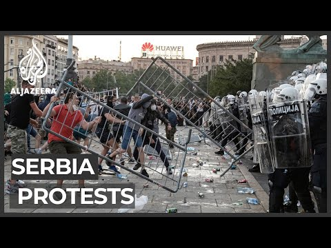 Serbia: Protests against lockdown continue for second night