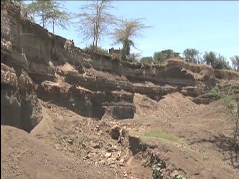 Rhonda estate residents say sand harvesting has destroyed local road