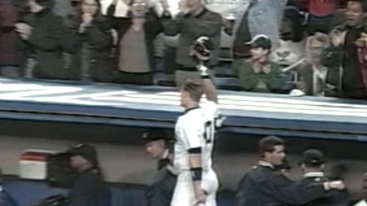 shane-spencer-hits-his-second-grand-slam-of-1998