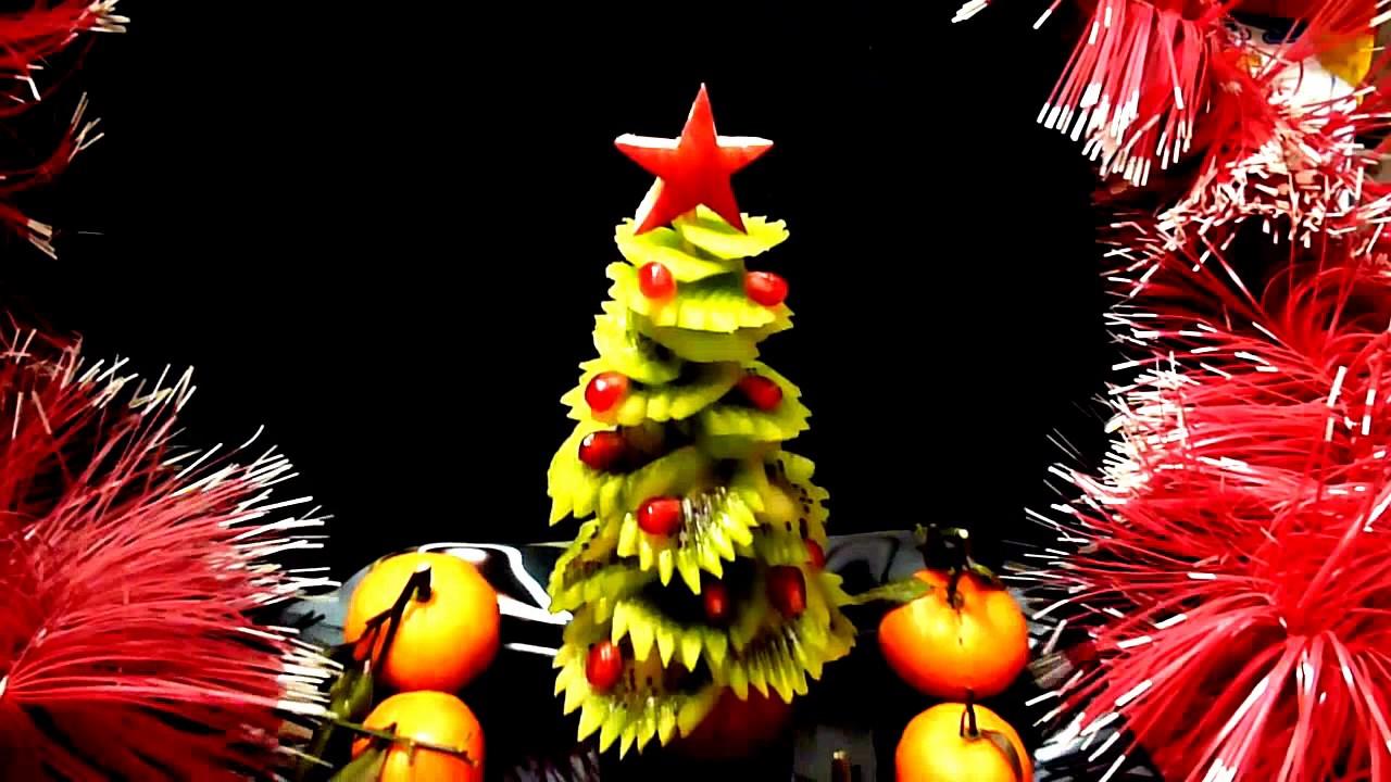 Kiwi christmas tree kiwi carving fruit garnish kiwi for Decoration kiwi