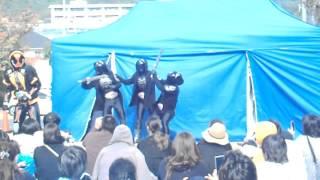 住宅展示場の特設ステージで開催された、仮面ライダーゴースト ショーの...