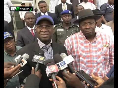 Fashola meets Bayelsa state governor Seriake Dickson