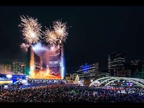Amazing Fireworks Toronto 2017 New Year Celebration