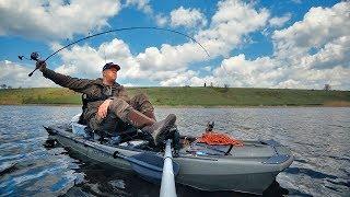 Первая рыбалка на КАЯКЕ С ПЕДАЛЯМИ! Ловля щуки весной! Каяк Point 65 KingFisher