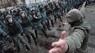 Бой Уличный боец против 8 бойцов ОМОНа / Street fighter VS 8 fighters russian SWAT