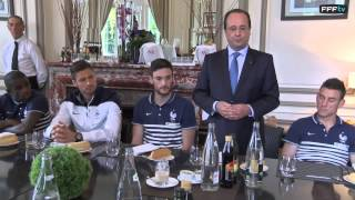 Le Président Hollande avec les Bleus à Clairefontaine