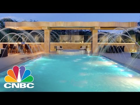 Rihanna's Party House: Pacific Palisades, CA | CNBC