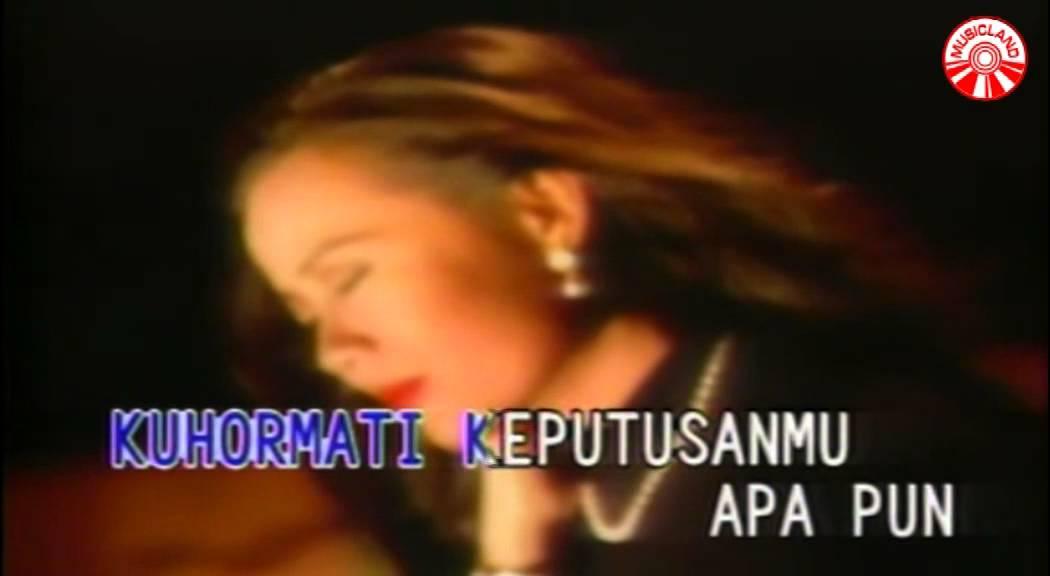 broery-marantika-dewi-yull-jangan-ada-dusta-di-antara-kita-official-music-video-insictechmusicland
