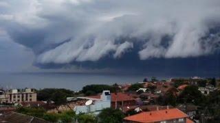 Облачное цунами в Австралии(К берегам крупнейшего города Австралии, Сиднея, подбирается так называемое