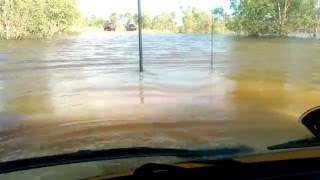80 Series Landcruiser 4x4 Deep Water Crossing, NT