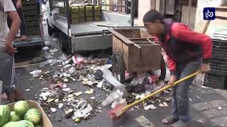 خطط حكومية بديلة لمشكلة تراكم النفايات بسبب إضراب البلديات - (12-10-2018)