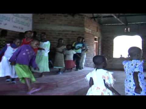 Kenya-KidsSongandDance