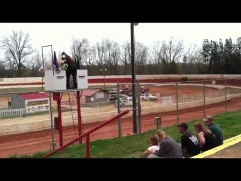 Gary Troutman's sprint car practice