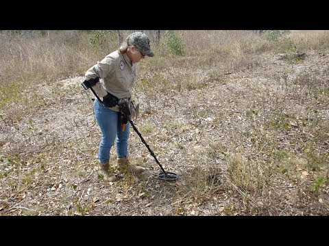 Metal Detecting 1860s Mansion Ruins: Garrett AT Max.