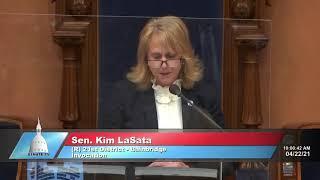 Sen. LaSata delivers the invocation to open Senate session