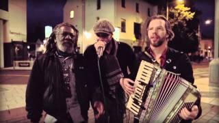 (HD) WINSTON MCANUFF & FIXI FEAT. MARKUS : AMPLIFICADO (WOMEX 2013)