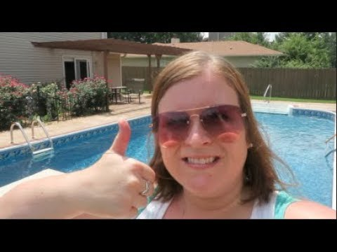 ATTEMPTING TO CLEAN POOL FOR FIRST TIME EVER!! DITL | beingmommywithstyle