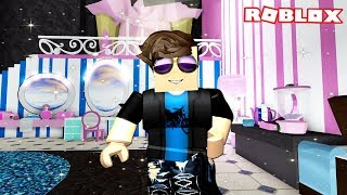 GIVING MY FRIEND A MAKEOVER IN ROYALE HIGH | Roblox