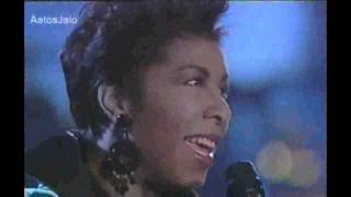 Natalie Cole LIVE - The Very Thought Of You