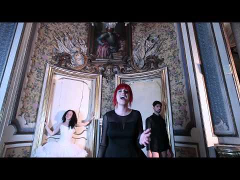 Cantavo Di Te - Debra ( Official Video )
