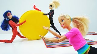 Школа гимнастики Барби - Леди Баг спасает Барби в видео для девочек