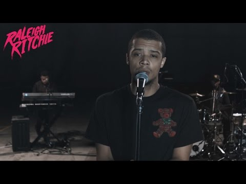 Raleigh Ritchie - Birthday Girl (Live Performance)