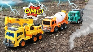 Fine Cars Toys Construction Vehicles Looking in the Sand - Excavator , Crane truck, Cement truck