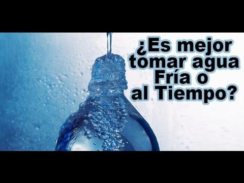 pros y contras de tomar agua fria