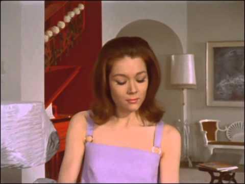 The fear merchants the avengers 5x02 1967 mrs peel we 39 re needed scene youtube - Mechant avenger ...