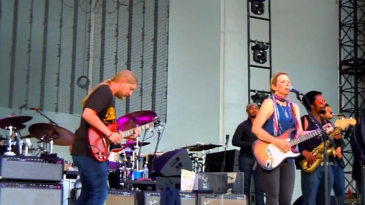 tedeschi trucks band northerly island chicago 6 20 2014 it 39 s so heavy youtube. Black Bedroom Furniture Sets. Home Design Ideas