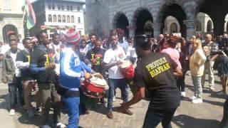 (BIAFRA ) IPOB COMO / MILANO ITALY @ DUOMO DI COMO  1