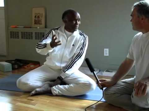Babacar présente le yoga