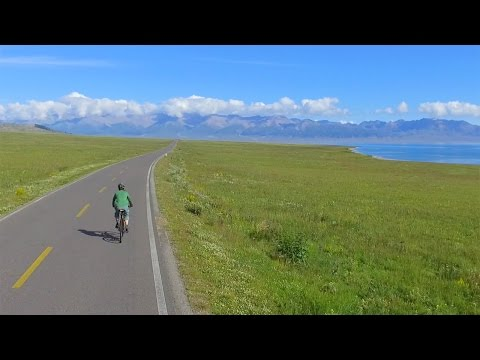 Cycling China's Gorgeous Xinjiang (drone footage)