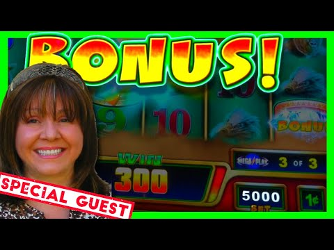 HAVE WE LOST OUR MINDS BETTING $50.00/SPIN?!? 💥😜💥 Atlantis Casino Slots W/ Special Guest Diana!