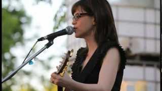Lisa Loeb, Wishing Heart, Jack's Backyard, 20110428, #143