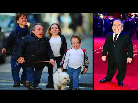 Warwick Davis's Little Family   Wife, Son, Daughter