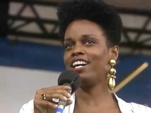Dianne Reeves - Love For Sale - 8/19/1989 - Newport Jazz Festival (Official)