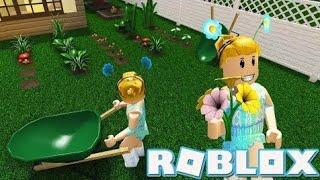 New GARDEN update roblox bloxburg!!! :)